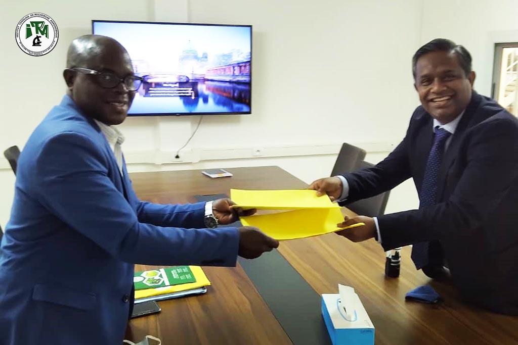 Contrat d'achat et fourniture des semences de base de Soja entre l'ITRA et PIA